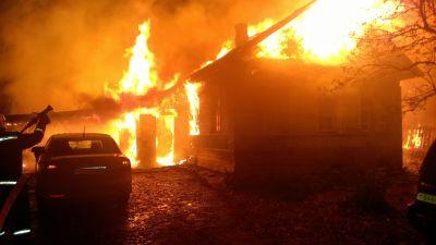 ВЧереповецком районе сгорел деревянный дом
