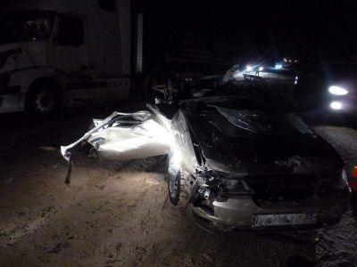 ВВологде «Дэу» врезалась вфуру: пассажирка иномарки погибла