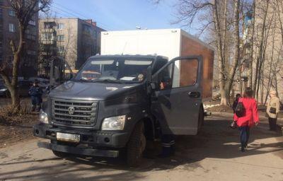ВЧереповце грузовой автомобиль насмерть задавил натротуаре пенсионерку