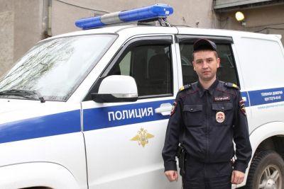 Полицейские Максим  Комлыков и Алексей Голицын спасли двух детей и женщину во время пожара