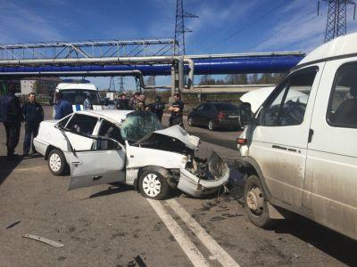 Три автомобиля столкнулись наСеверном шоссе вЧереповце