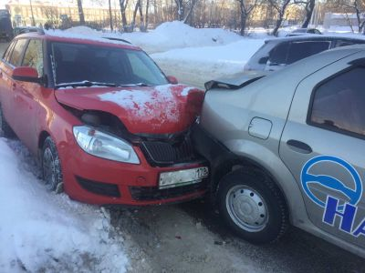 ВЧереповце машина автошколы сбила на«зебре» пешехода